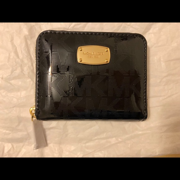 Michael Kors Handbags - NWT Michael Kors black wallet